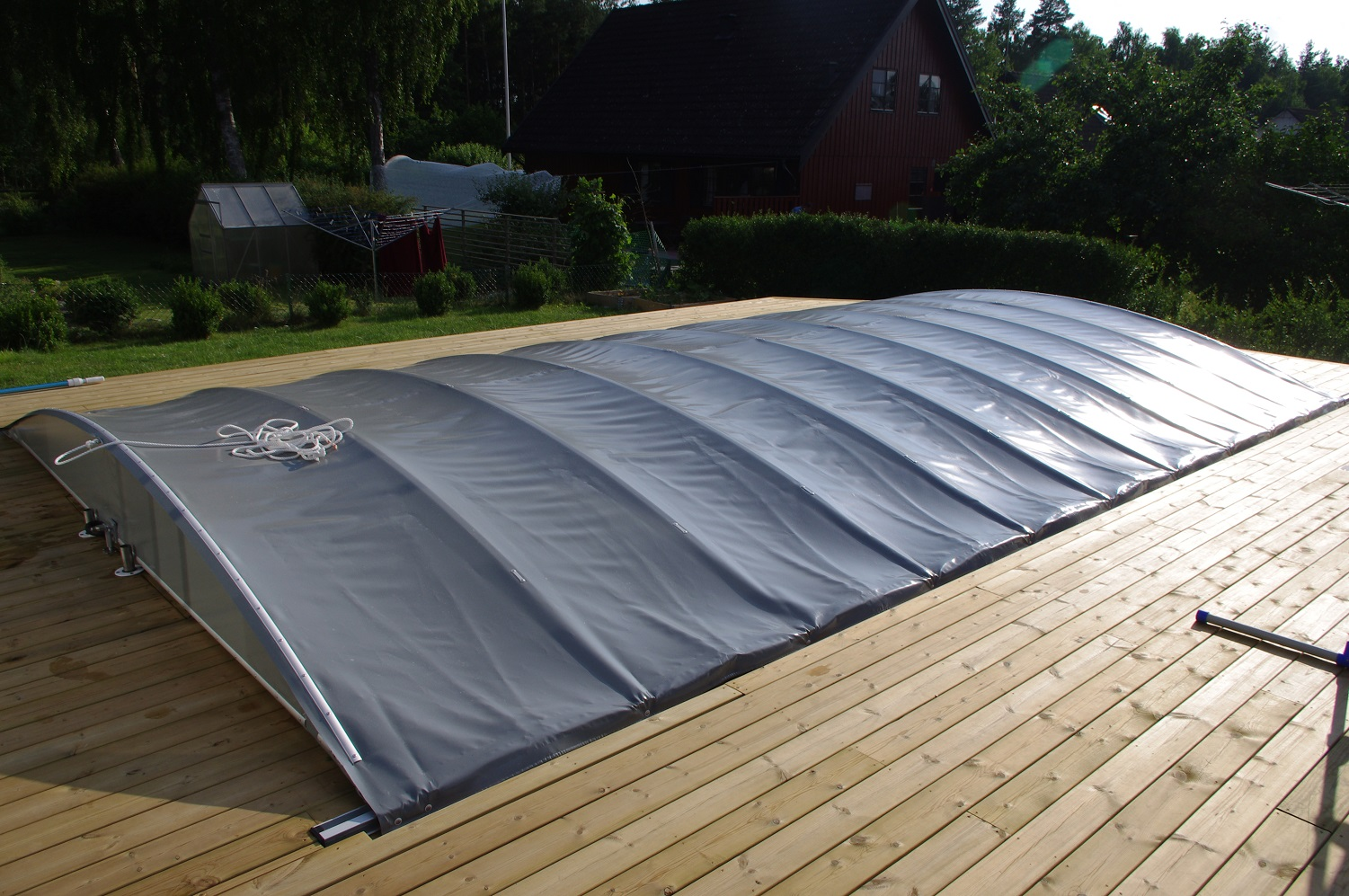 Pool covering